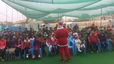 "Photo of تحت شعار ""سانتا كلوز للكل Santa for All"" إقامة فعالية سانتا كلوز مع الاطفال في مخيم منصور الكشفي"